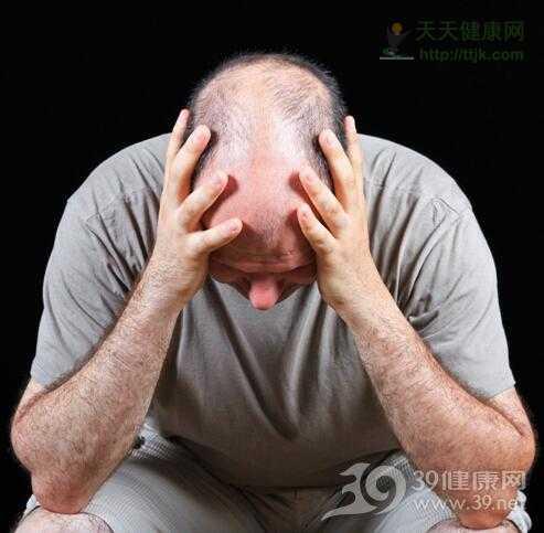 毛囊脱发 为什么男人更容易脱发?