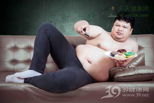 乳房肥大 为什么有的男性乳房肥大?