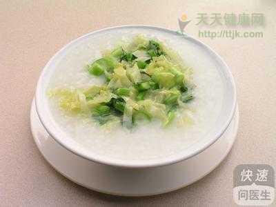 胃酸过多选择 胃酸过多适合喝什么粥 蔬菜粥中和胃酸