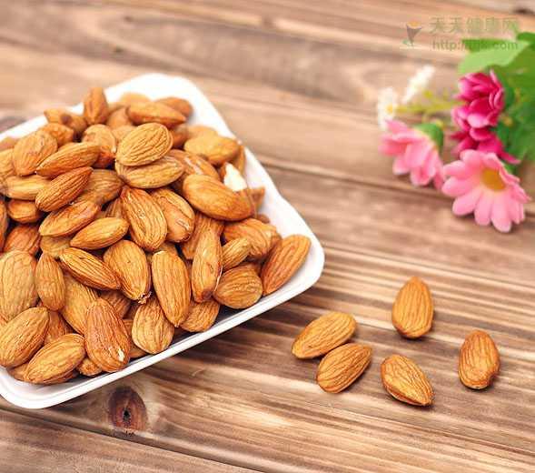 苦杏仁作用 杏仁都有哪些功效,该怎样食用?