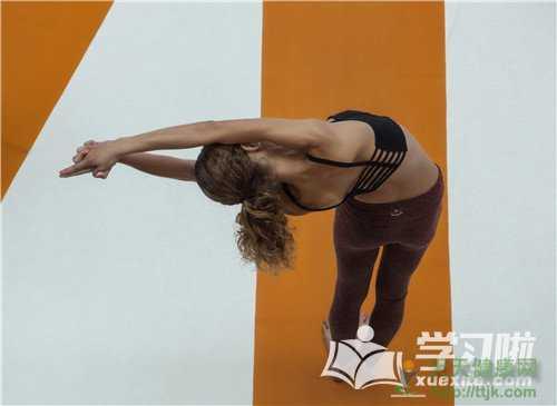 流瑜伽怎么练习_流瑜伽的练习招式