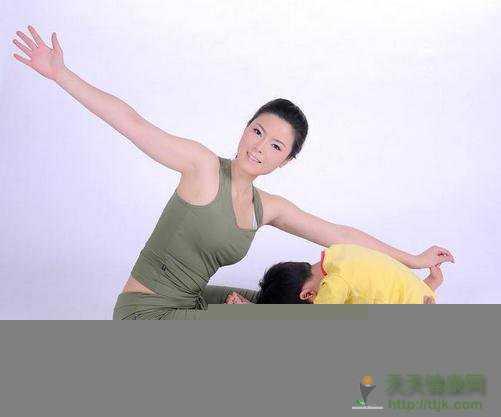 简单的瑜伽瘦腿