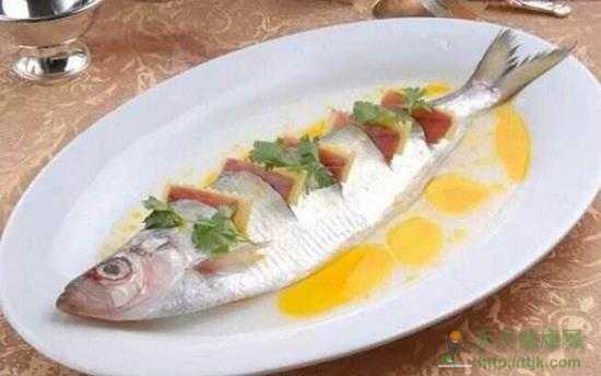 教你如何做出好吃的清蒸鱼