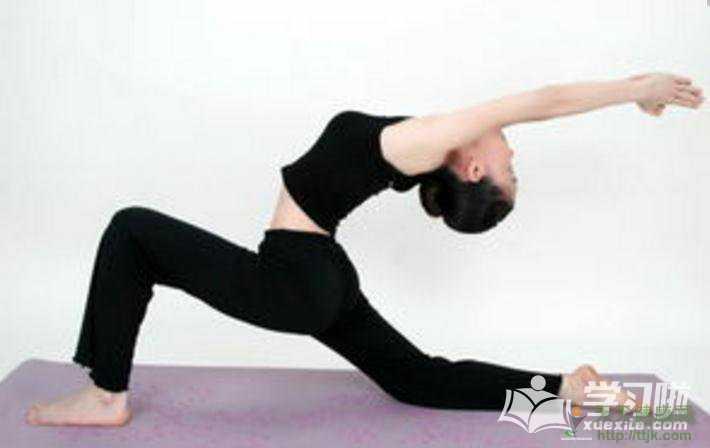 简单瑜伽丰胸动作