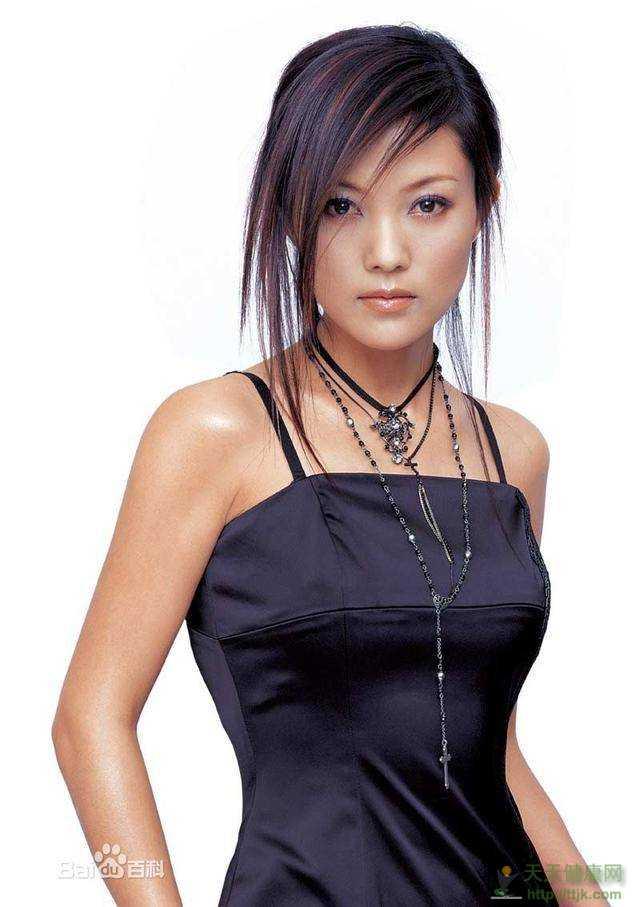 谢雨欣18岁产下一女,因感情被骗身败名裂,今与…