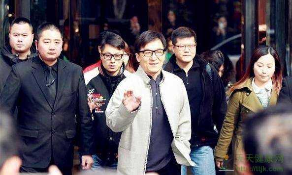 中国明星保镖第一人钱益群 所有娱记和狗仔都认的…
