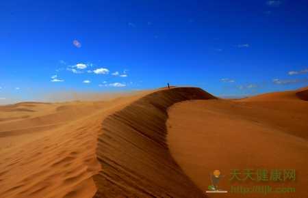 腾格里沙漠:壮美而温柔的极地