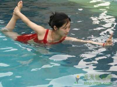 瑜伽动作有哪些 水中瑜伽怎么练