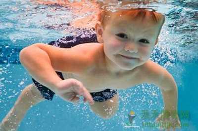 儿童游泳有哪些好处 儿童几岁开始学游泳最好
