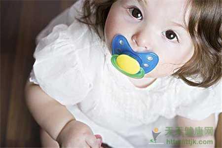 婴儿是否需要用安抚奶嘴 这些常识千万别忽视