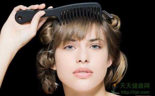 短发不能省了梳头 梳头对身体的好处