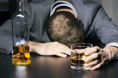 喝酒前吃什么会不醉酒喝酒前吃6种东西不易醉