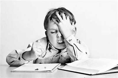 """对症下药陪娃写作业不该是""""车祸现场"""""""