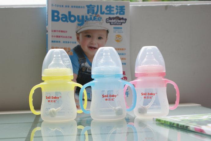 新生宝宝的五官护理手册