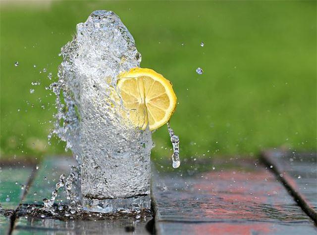 喝太多水有哪些副作用和症状有哪些?